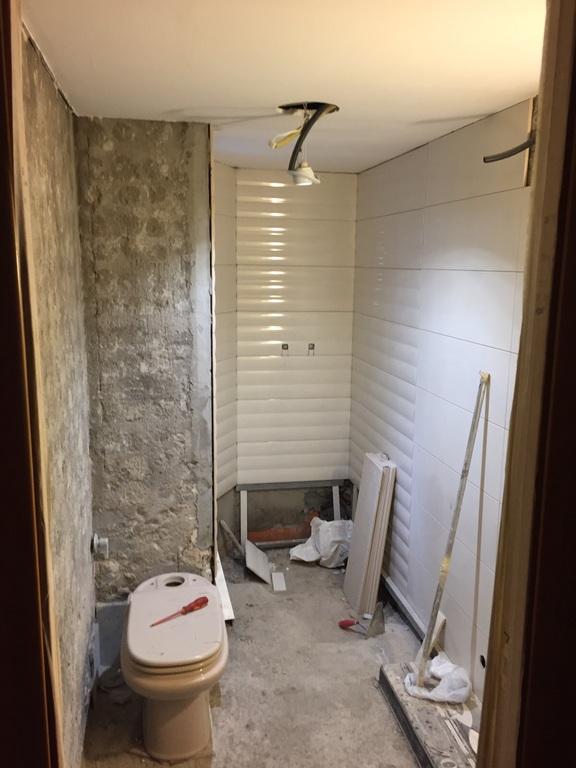 reconstruccion baño calle almeria hospitalet