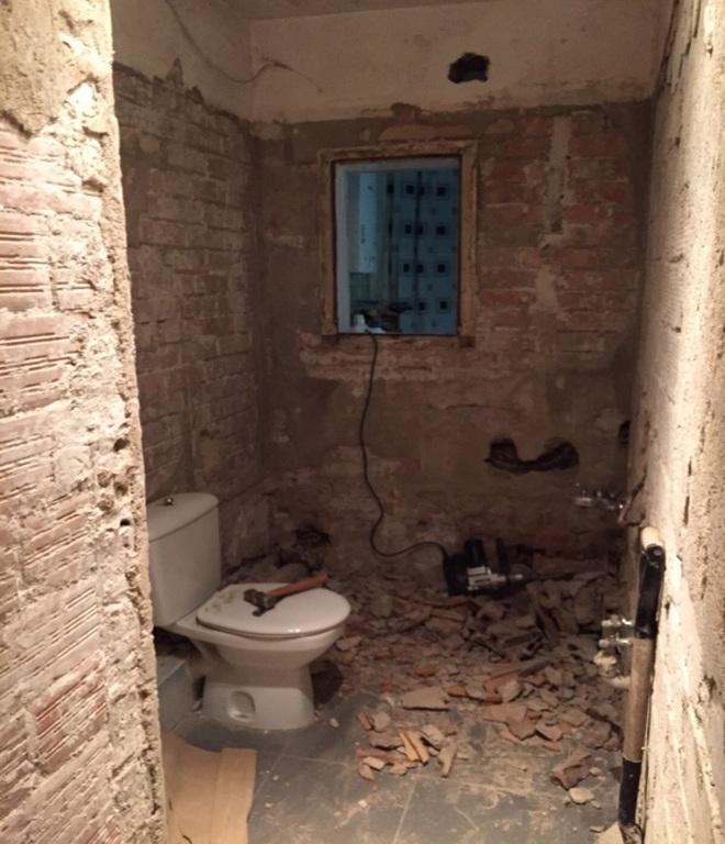 comienzo reforma baño calle teide hospitalet